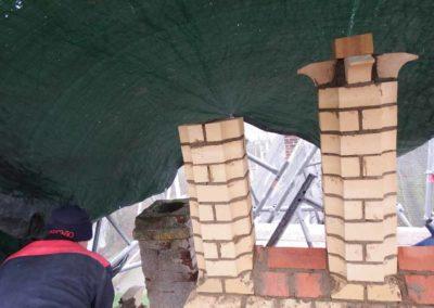 1. Rekonstruktion eines gotischen Maßwerkgiebels - Aufmauerung der Fialen